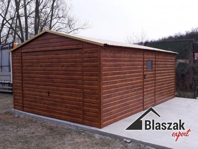 Blaszane garaże drewnopodobne – klasyka i trwałość